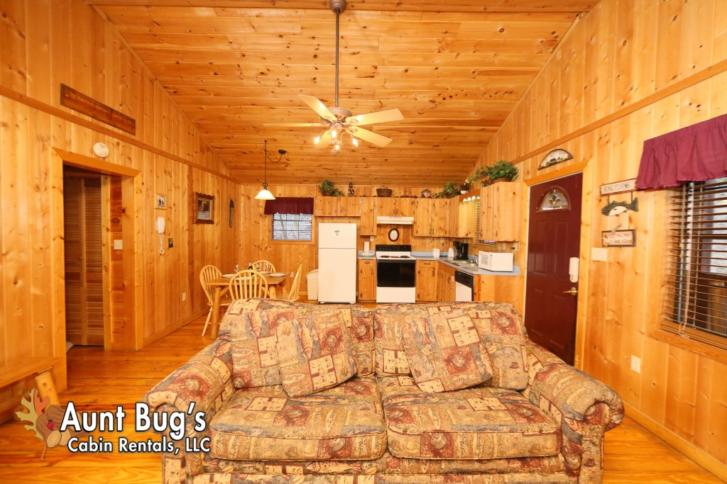 Photo of a Gatlinburg Cabin named Secret Hideaway #195 - This is the fifteenth photo in the set.