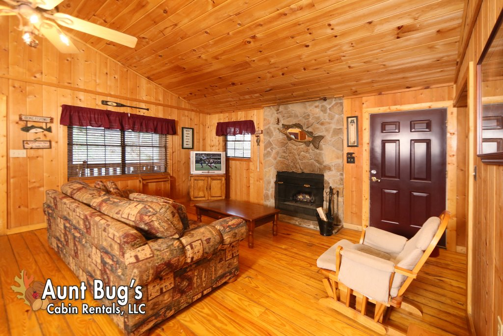 Photo of a Gatlinburg Cabin named Secret Hideaway #195 - This is the fourteenth photo in the set.