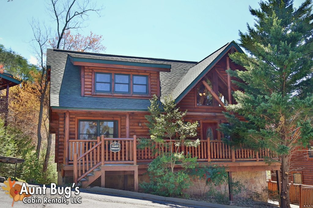 Photo of a Pigeon Forge Cabin named Big Daddy Bear #545 - This is the first photo in the set.