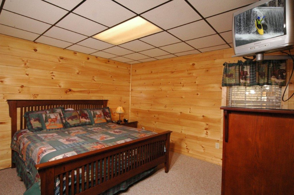 Photo of a Gatlinburg Cabin named Redneck Ritz #724 - This is the thirty-ninth photo in the set.