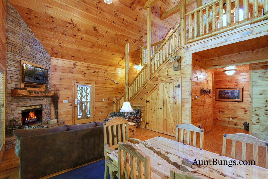 Photo of a Gatlinburg Cabin named Shamrock Lodge #215 - This is the sixteenth photo in the set.