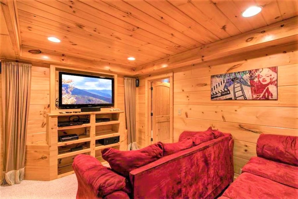 Photo of a Pigeon Forge Cabin named Where Eagles Fly - This is the fifty-second photo in the set.