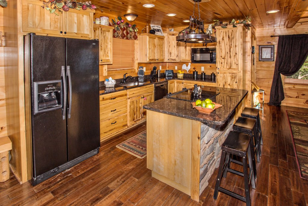 Photo of a Pigeon Forge Cabin named Where Eagles Fly - This is the fifth photo in the set.