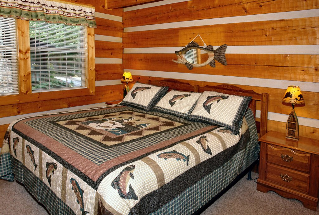 Photo of a Gatlinburg Cabin named Angler's Perch #2523 - This is the fourth photo in the set.