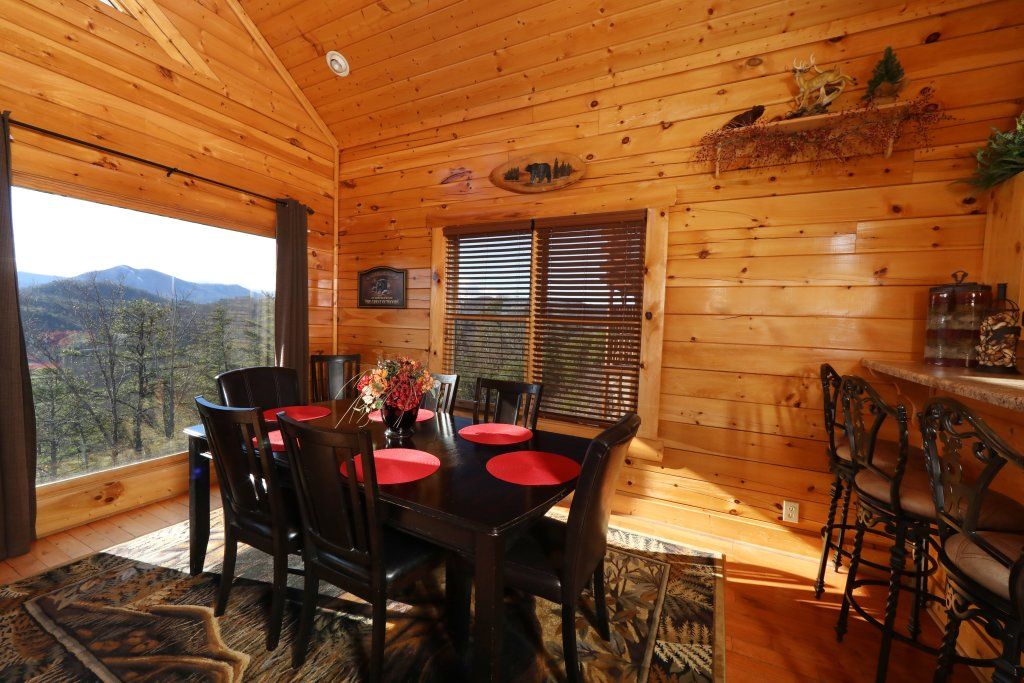 Photo of a Pigeon Forge Cabin named Bear-a-dise In The Smokies - This is the thirtieth photo in the set.