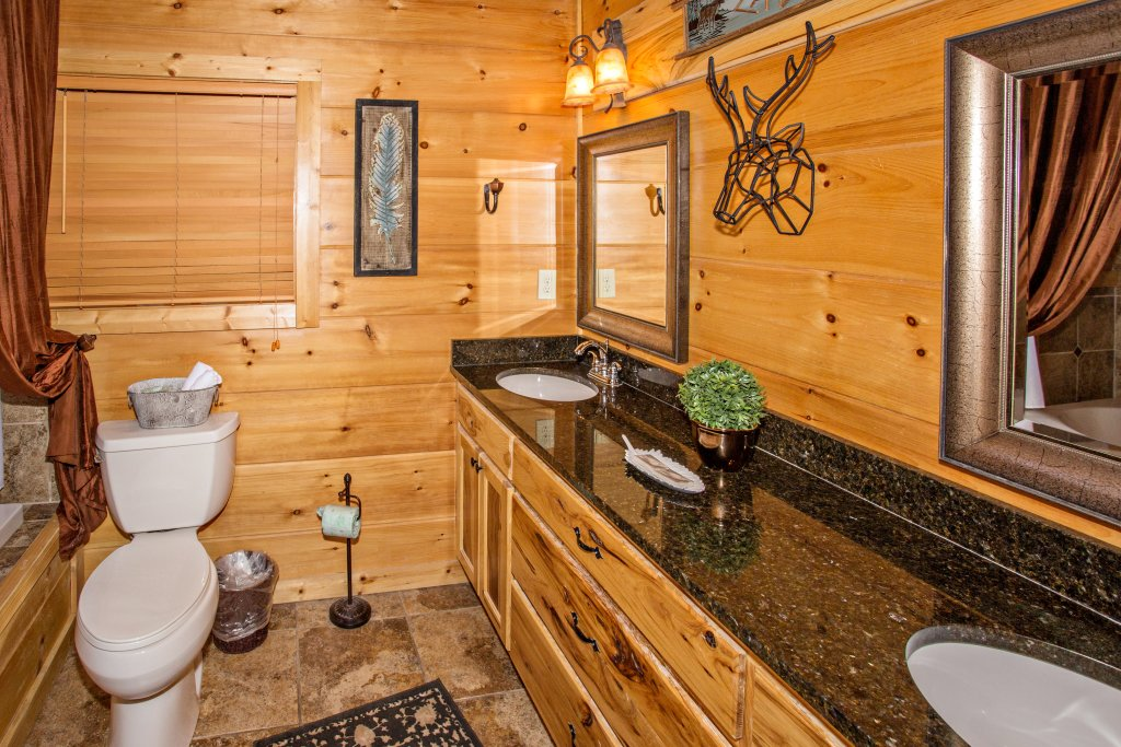 Photo of a Pigeon Forge Cabin named Where Eagles Fly - This is the thirty-third photo in the set.