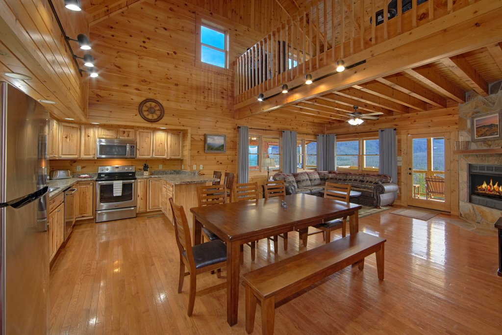 Photo of a Gatlinburg Cabin named Grand View - This is the seventeenth photo in the set.