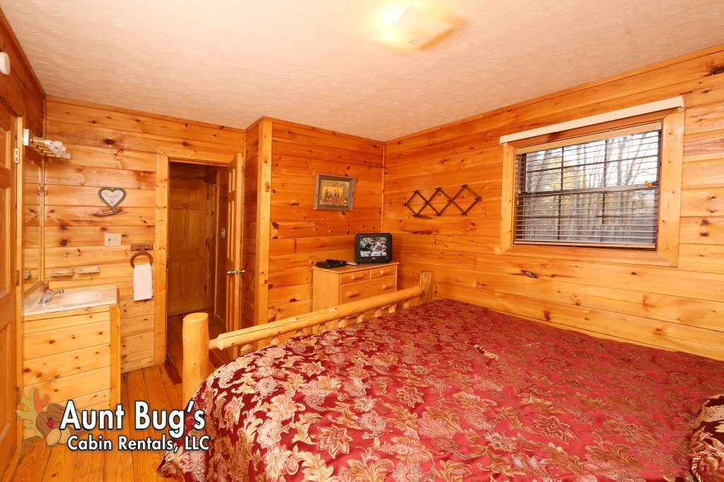 Photo of a Gatlinburg Cabin named Secret Hideaway #195 - This is the eighteenth photo in the set.