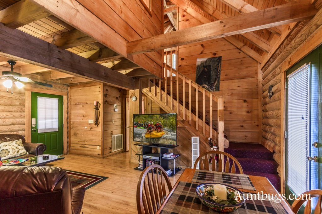 Photo of a Gatlinburg Cabin named Mountain Perch #2134 - This is the fifteenth photo in the set.