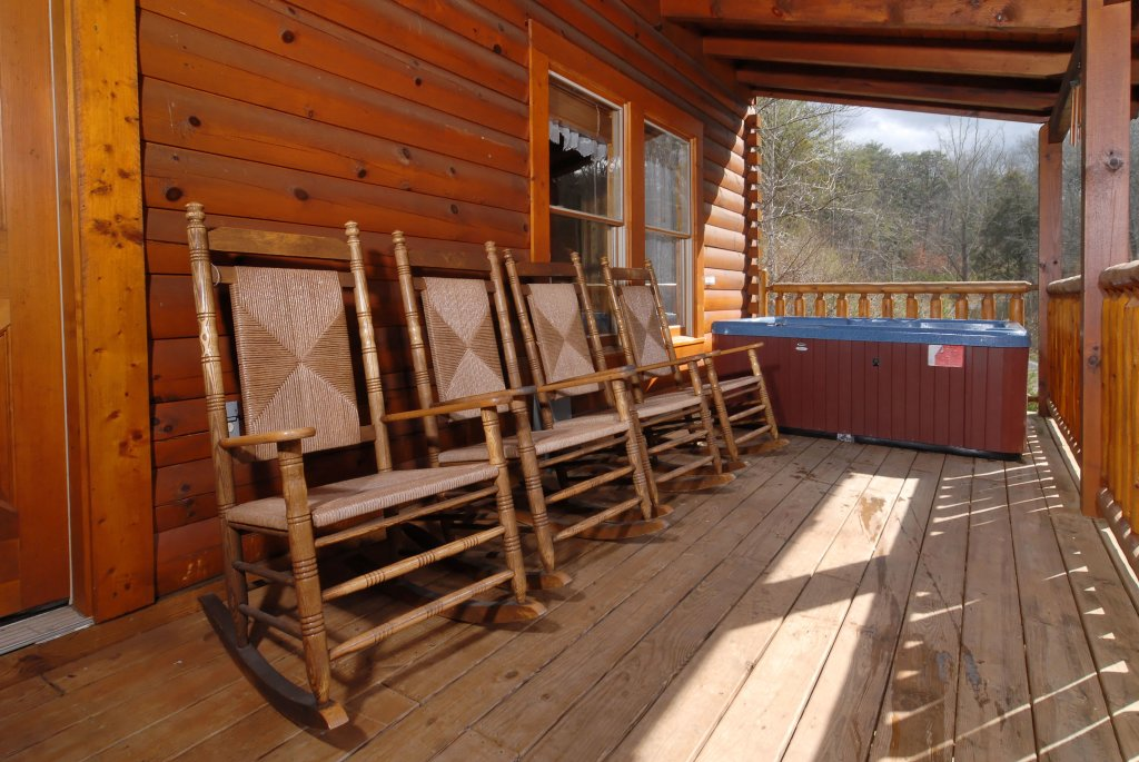 Photo of a Pigeon Forge Cabin named Camelot #266 - This is the fifteenth photo in the set.