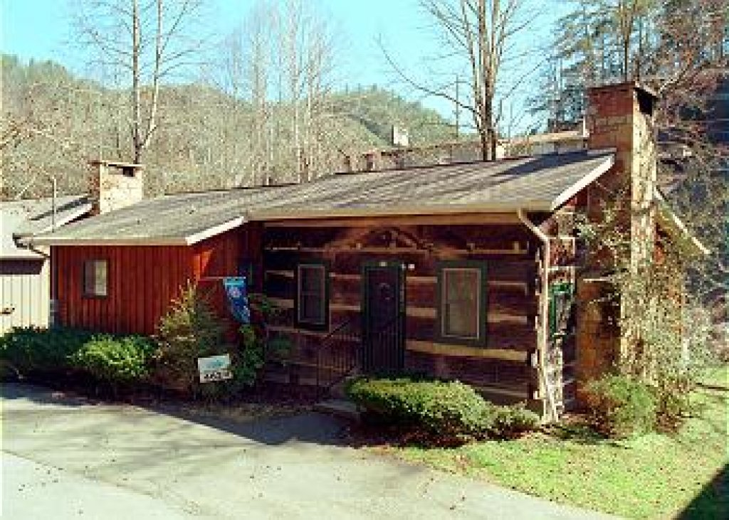 Photo of a Gatlinburg Cabin named Bear Cabin #462 - This is the twenty-eighth photo in the set.