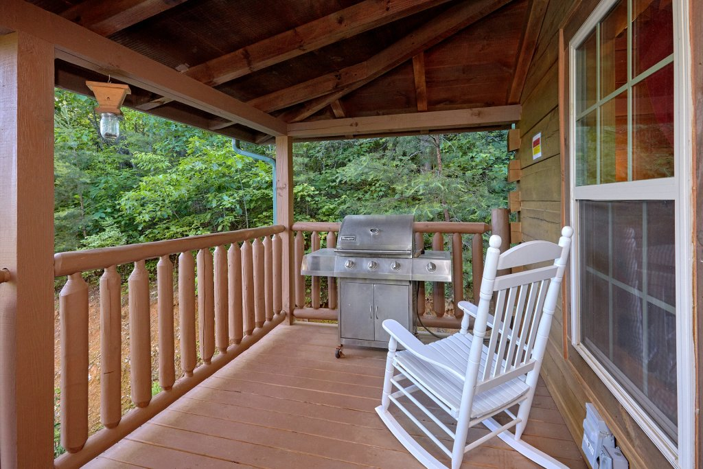 Photo of a Gatlinburg Cabin named Pool Time Paradise - This is the fourth photo in the set.