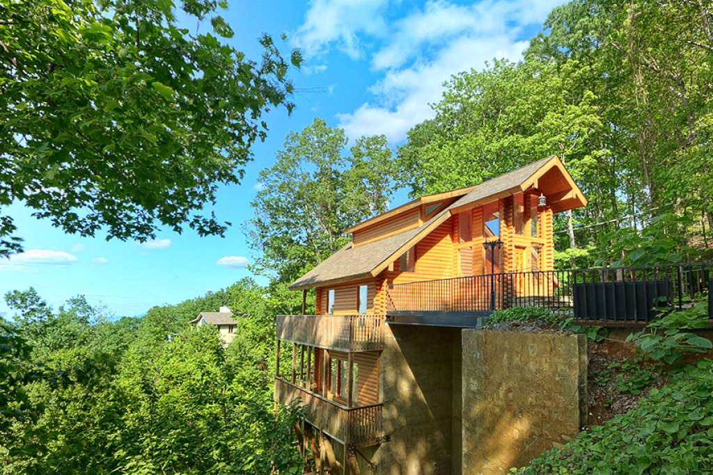 Photo of a Gatlinburg Cabin named Emerald City Lights #203 - This is the twenty-third photo in the set.