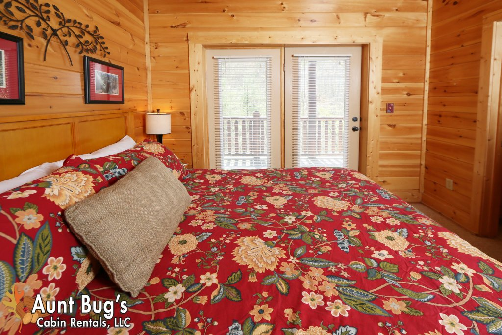 Photo of a Pigeon Forge Cabin named Big Daddy Bear #545 - This is the twentieth photo in the set.