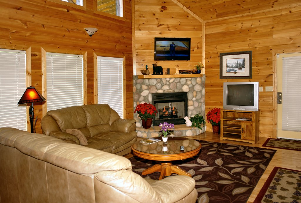 Photo of a Gatlinburg Cabin named Redneck Ritz #724 - This is the twenty-sixth photo in the set.