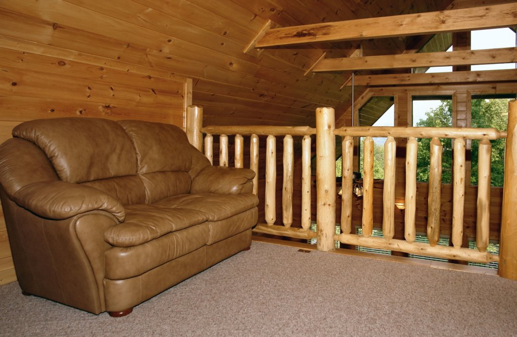 Photo of a Gatlinburg Cabin named Redneck Ritz #724 - This is the thirty-fourth photo in the set.