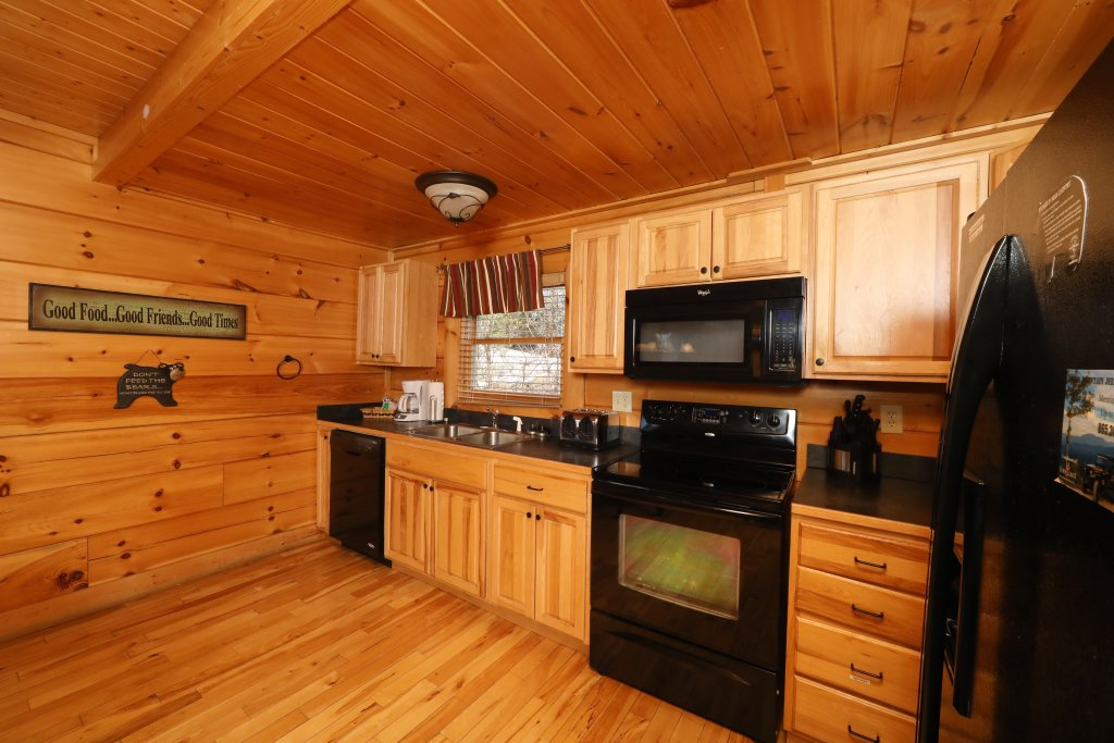 Photo of a Pigeon Forge Cabin named Mountain Blessings - This is the forty-first photo in the set.
