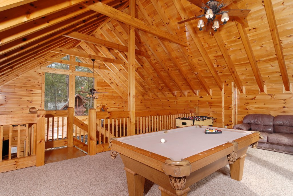 Photo of a Pigeon Forge Cabin named Camelot #266 - This is the twenty-second photo in the set.
