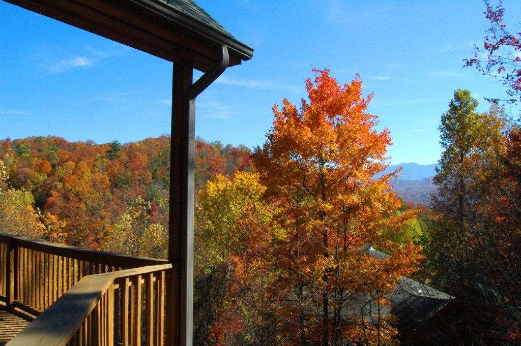Photo of a Gatlinburg Cabin named Redneck Ritz #724 - This is the fifty-eighth photo in the set.