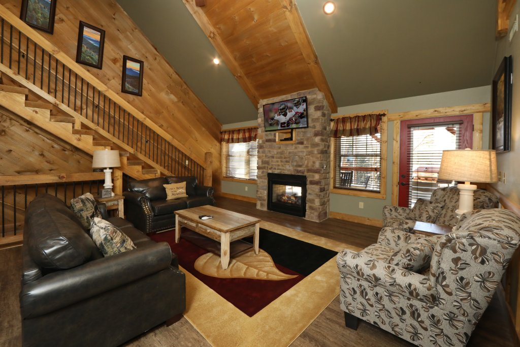 Photo of a Gatlinburg Cabin named Splash Time Cinema - This is the twelfth photo in the set.