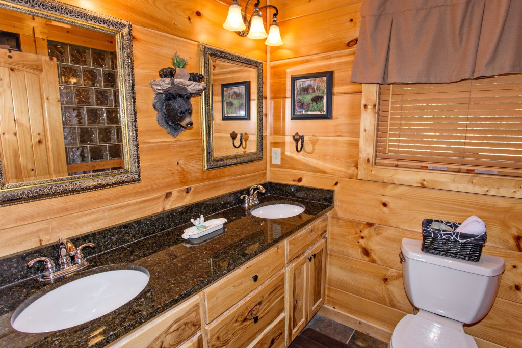 Photo of a Pigeon Forge Cabin named Where Eagles Fly - This is the twenty-fifth photo in the set.