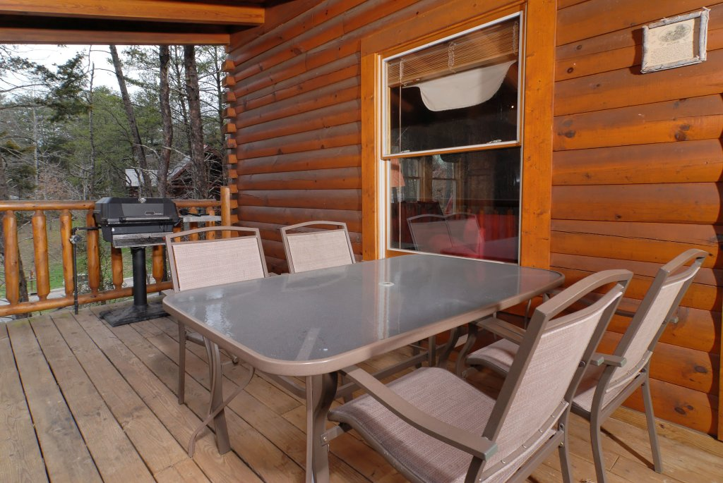 Photo of a Pigeon Forge Cabin named Camelot #266 - This is the fourteenth photo in the set.