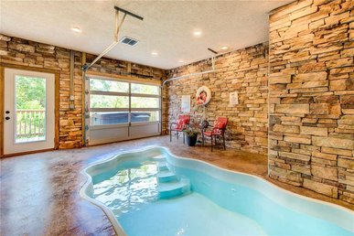 Mountain Splash, 2 Bedrooms, Private Indoor Pool, Hot Tub, Pets, Sleeps 6