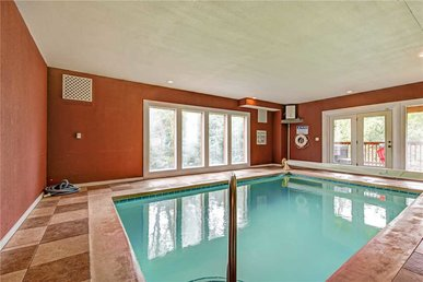 Grand Bear Lodge, 6 Bedrooms, Private Indoor Pool, Theater, Sleeps 20