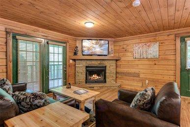 Smoky Mountain Bliss, 3 Bedroom, Hot Tub, Fireplace, Arcade, Sleeps 12