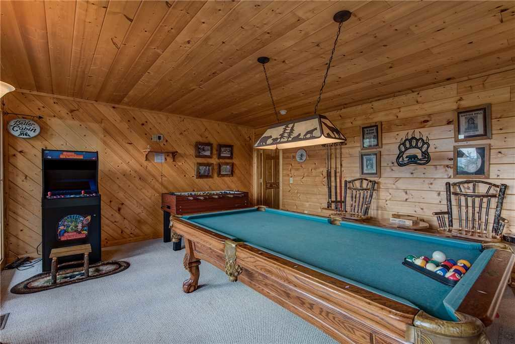 Photo of a Sevierville Cabin named Moonlit Hideaway - This is the tenth photo in the set.