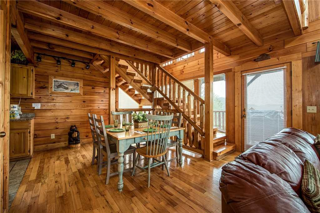 Photo of a Pigeon Forge Cabin named Mountain Seduction - This is the third photo in the set.