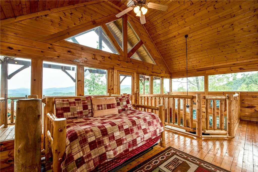 Photo of a Pigeon Forge Cabin named Mountain Seduction - This is the sixteenth photo in the set.