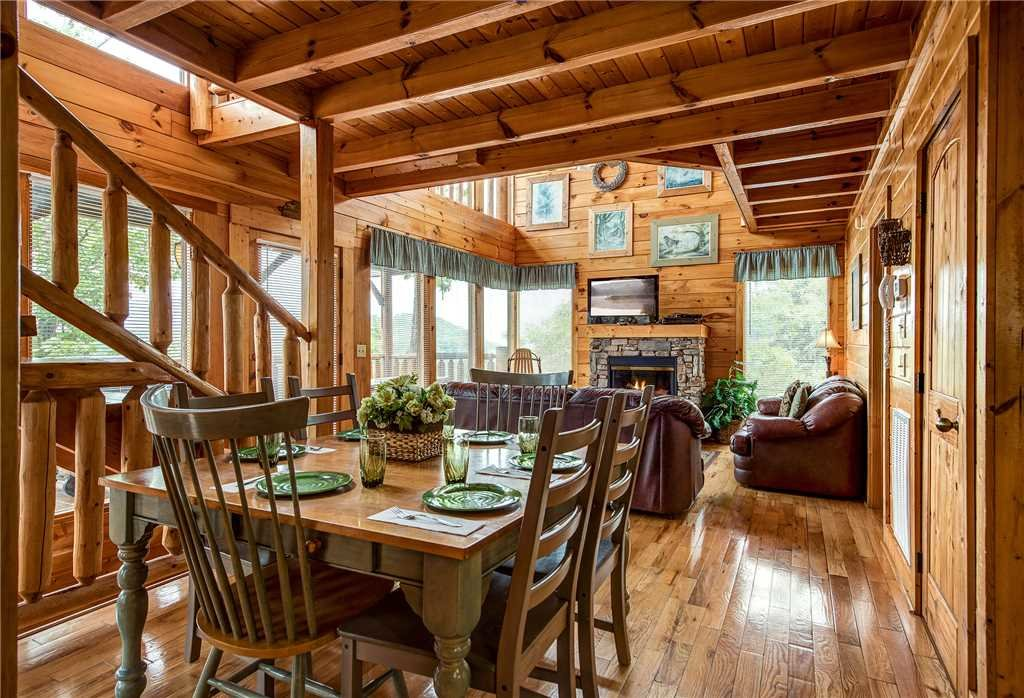 Photo of a Pigeon Forge Cabin named Mountain Seduction - This is the fifth photo in the set.