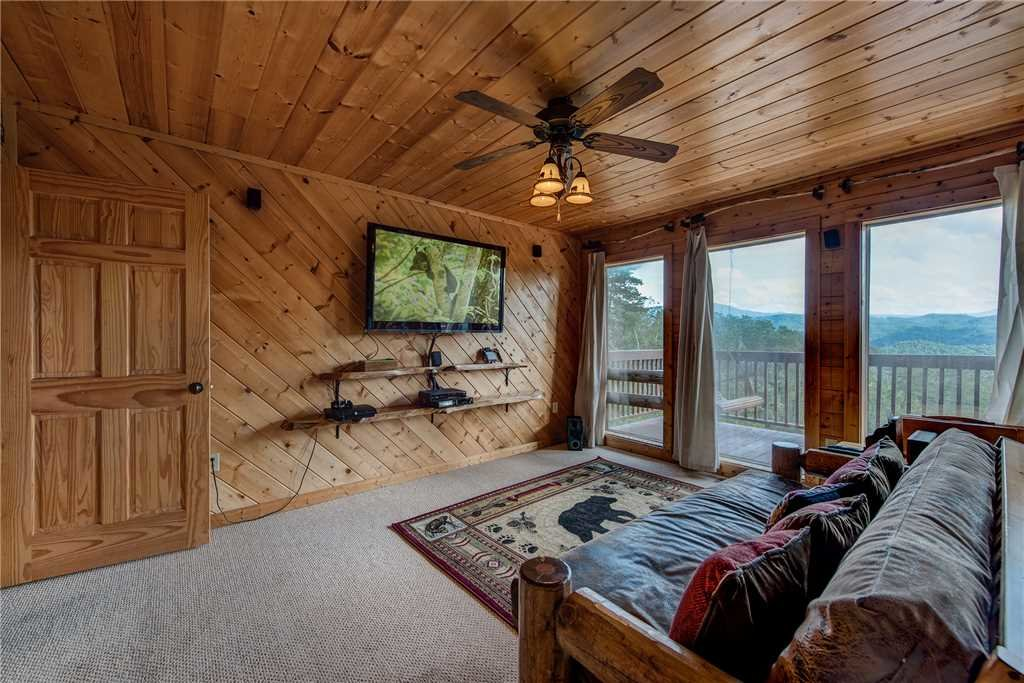 Photo of a Sevierville Cabin named Moonlit Hideaway - This is the thirteenth photo in the set.