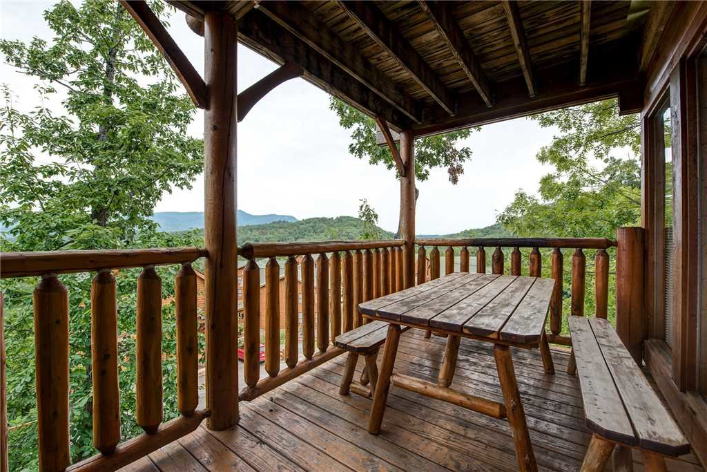 Photo of a Pigeon Forge Cabin named Mountain Seduction - This is the fourteenth photo in the set.