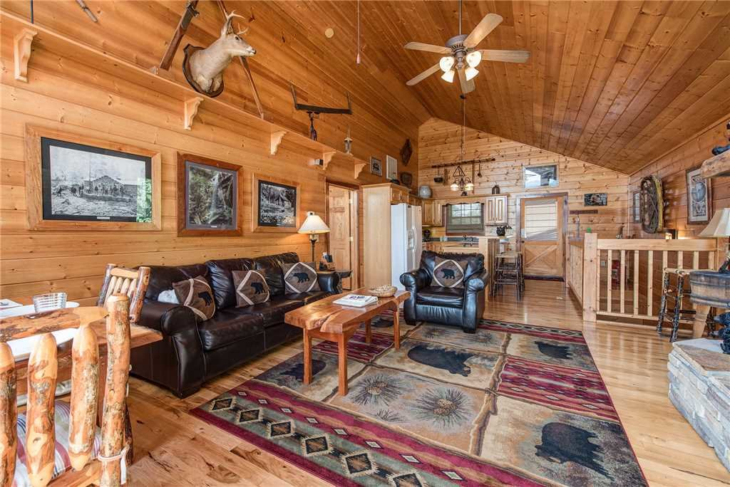 Photo of a Sevierville Cabin named Moonlit Hideaway - This is the fifth photo in the set.