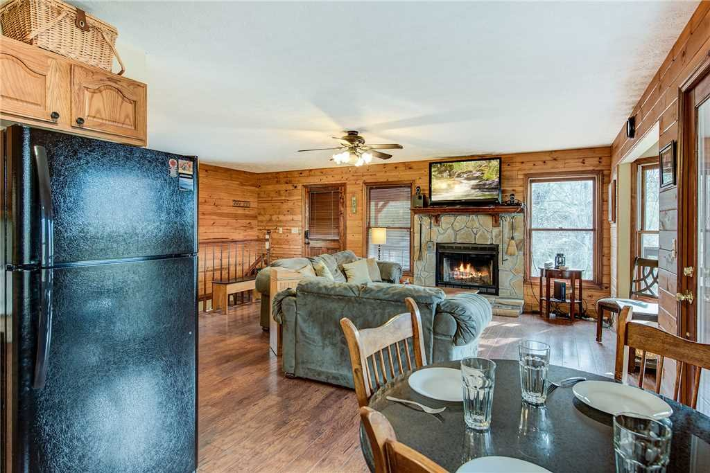 Photo of a Gatlinburg Cabin named Annie's Smoky View - This is the eighth photo in the set.