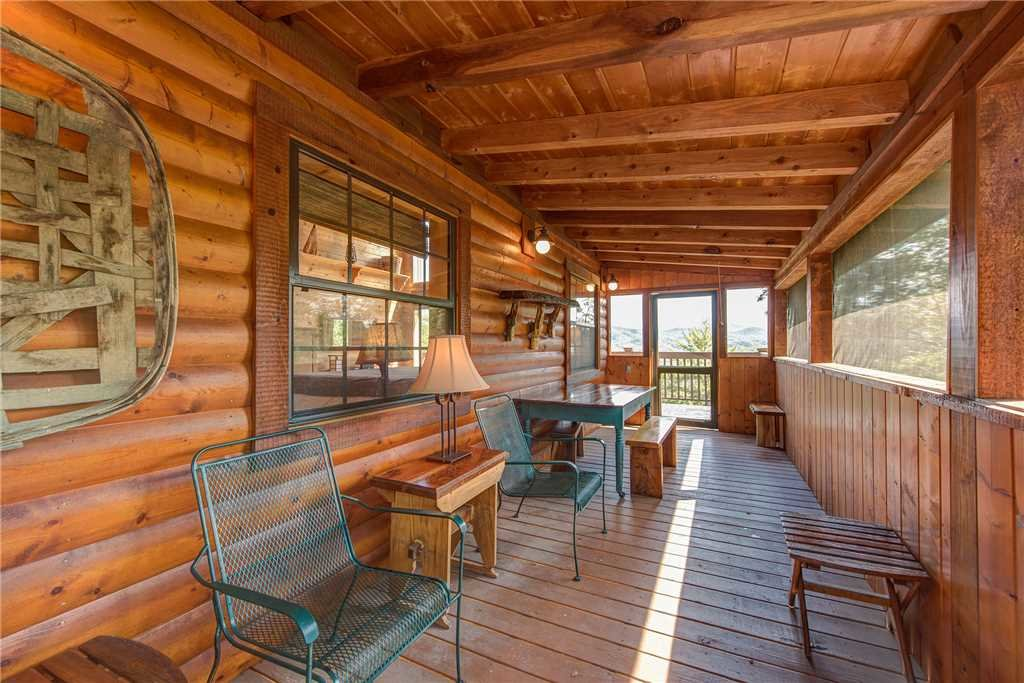 Photo of a Sevierville Cabin named Moonlit Hideaway - This is the twenty-first photo in the set.