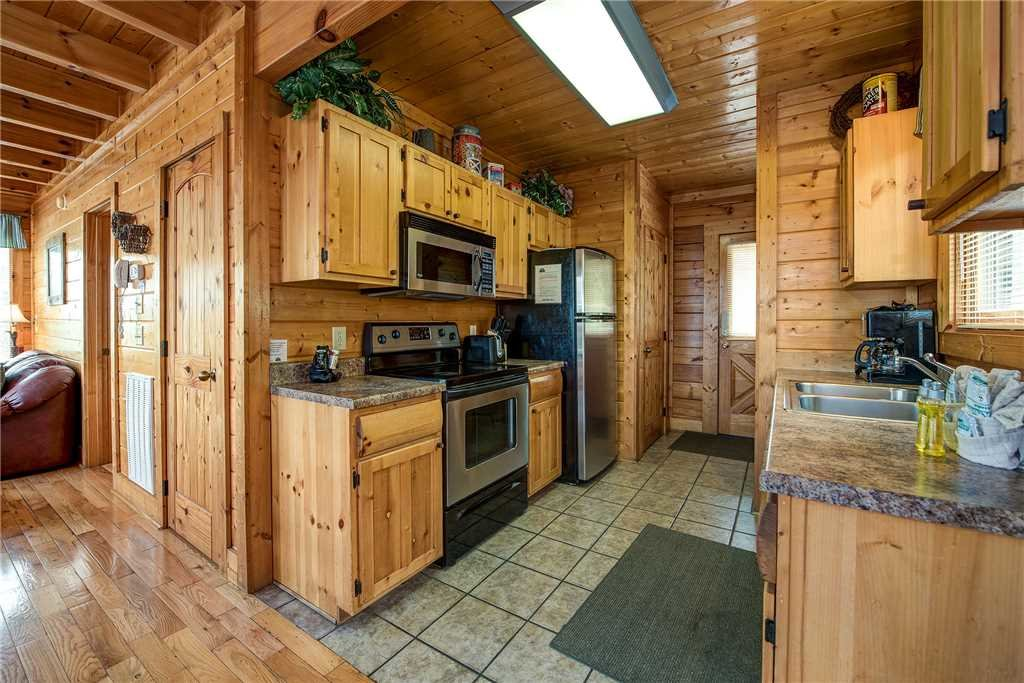 Photo of a Pigeon Forge Cabin named Mountain Seduction - This is the sixth photo in the set.