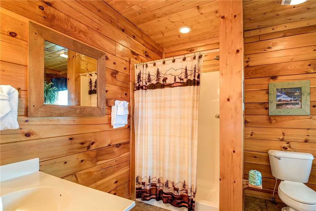 Photo of a Pigeon Forge Cabin named Mountain Seduction - This is the twenty-first photo in the set.