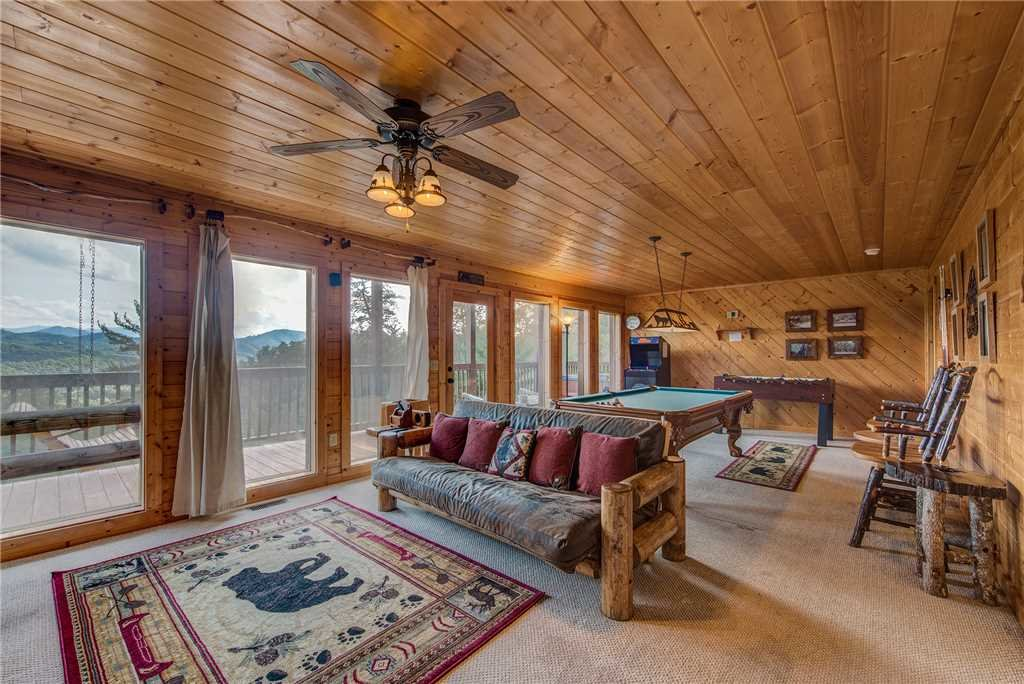 Photo of a Sevierville Cabin named Moonlit Hideaway - This is the eleventh photo in the set.