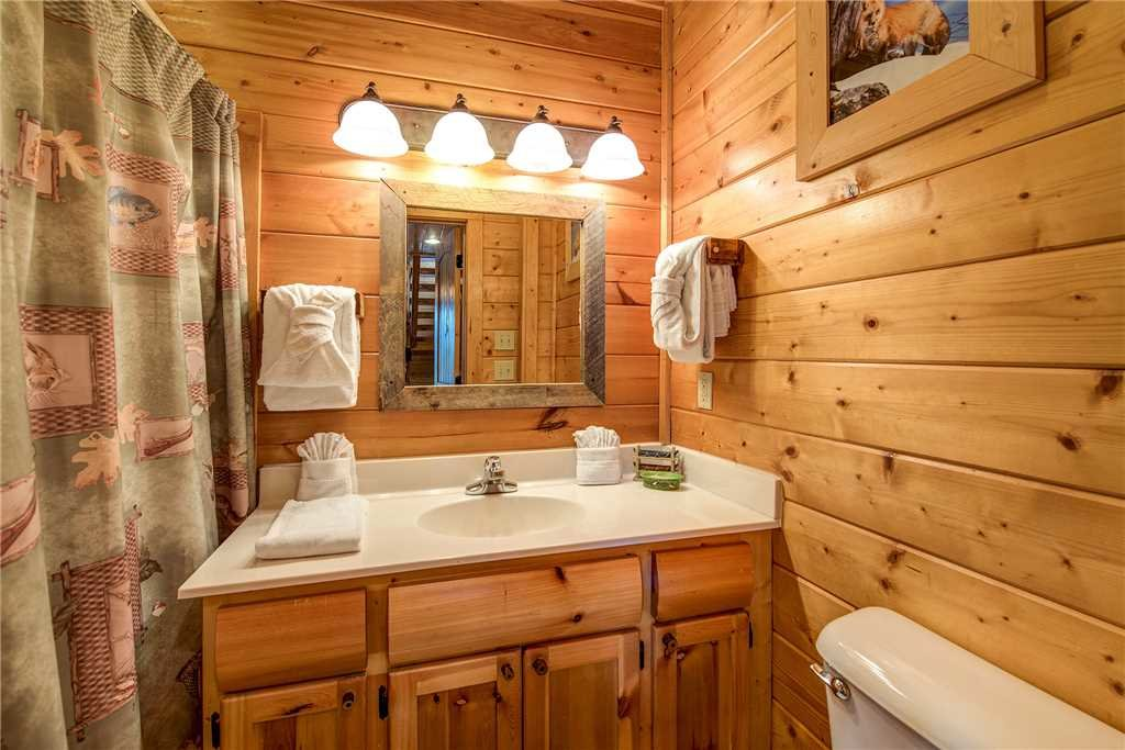 Photo of a Pigeon Forge Cabin named Mountain Seduction - This is the twenty-second photo in the set.