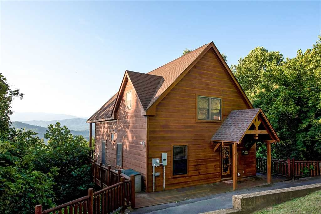 Photo of a Pigeon Forge Cabin named Bear Bluffs - This is the seventeenth photo in the set.