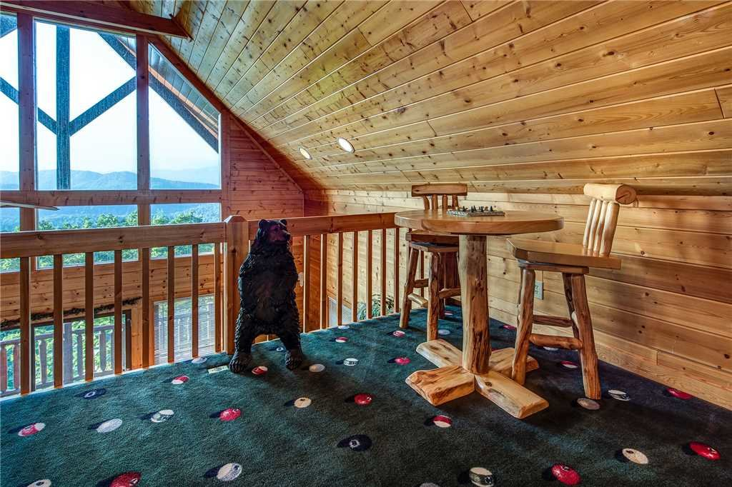 Photo of a Pigeon Forge Cabin named Bear Bluffs - This is the eleventh photo in the set.