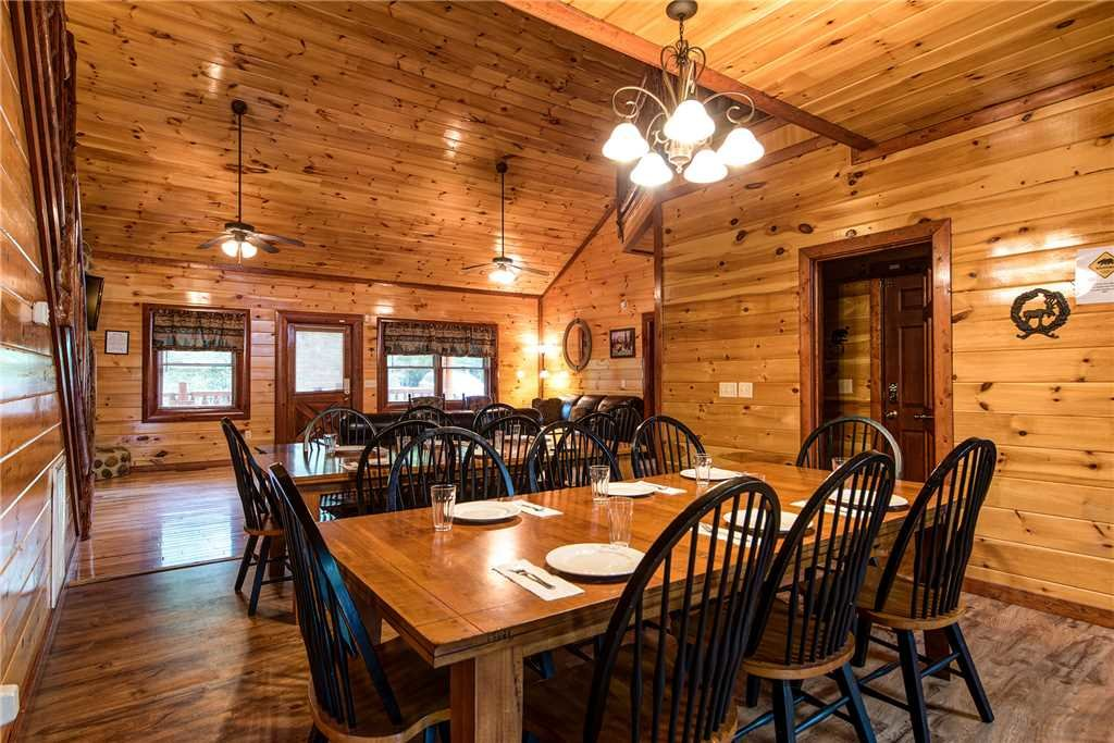 Photo of a Gatlinburg Cabin named Grand Bear Lodge - This is the sixth photo in the set.