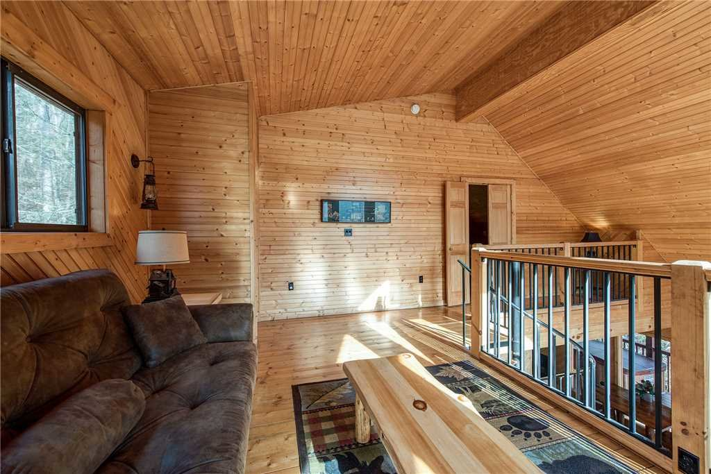 Photo of a Gatlinburg Cabin named Dreams & Streams - This is the fifteenth photo in the set.