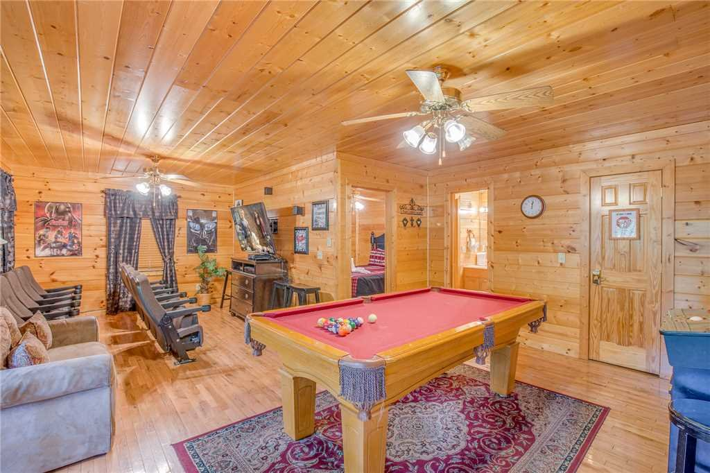 Photo of a Pigeon Forge Cabin named Simple Elegance - This is the eleventh photo in the set.