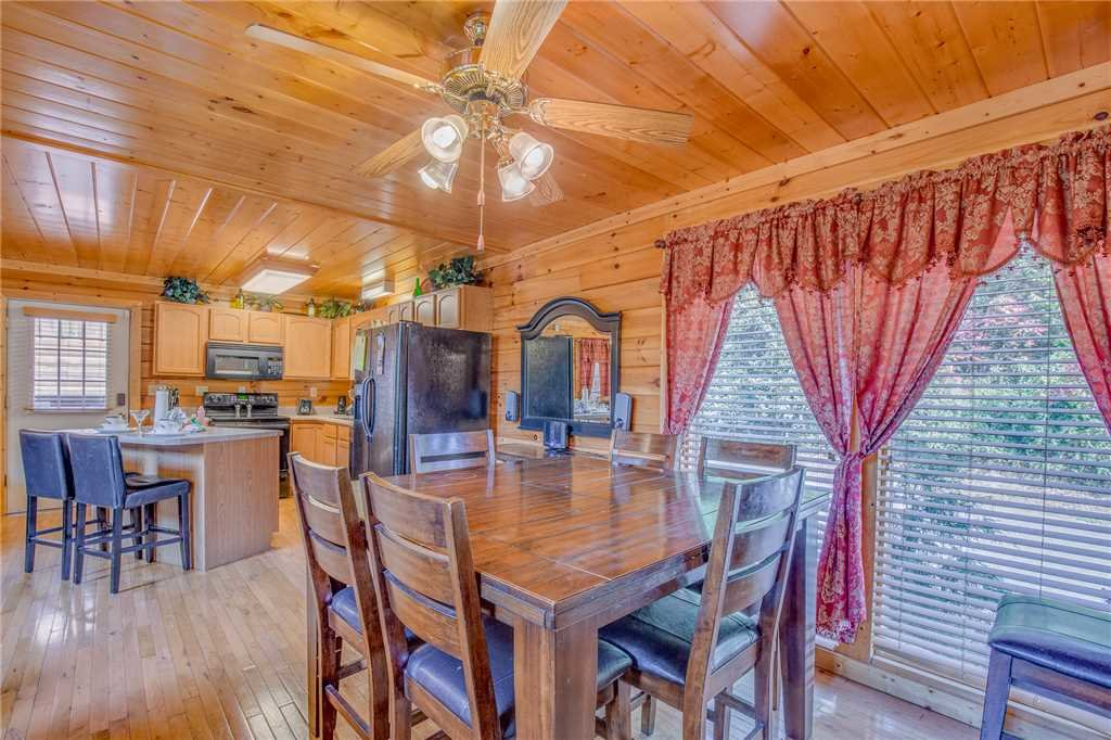 Photo of a Pigeon Forge Cabin named Simple Elegance - This is the seventh photo in the set.