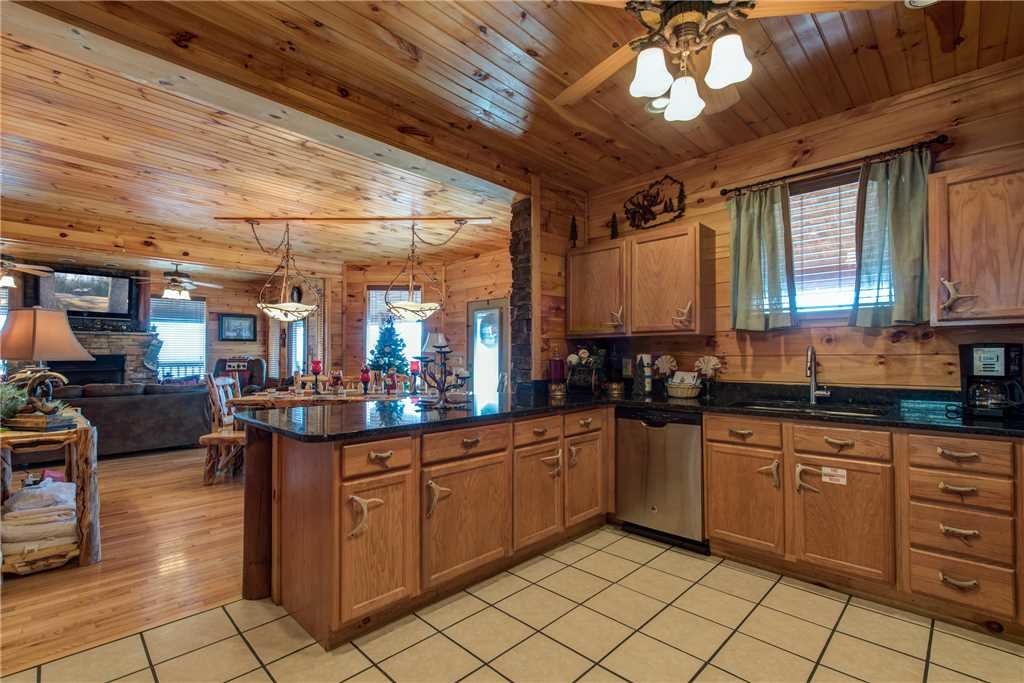 Starry nights lodge cabin in gatlinburg w 5 br sleeps16 for Nuvola 9 cabin gatlinburg
