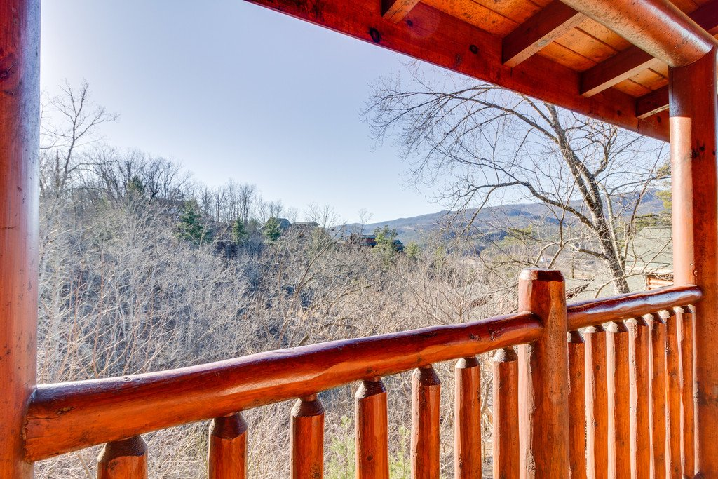 Photo of a Pigeon Forge Cabin named Crazy Horse - This is the sixteenth photo in the set.
